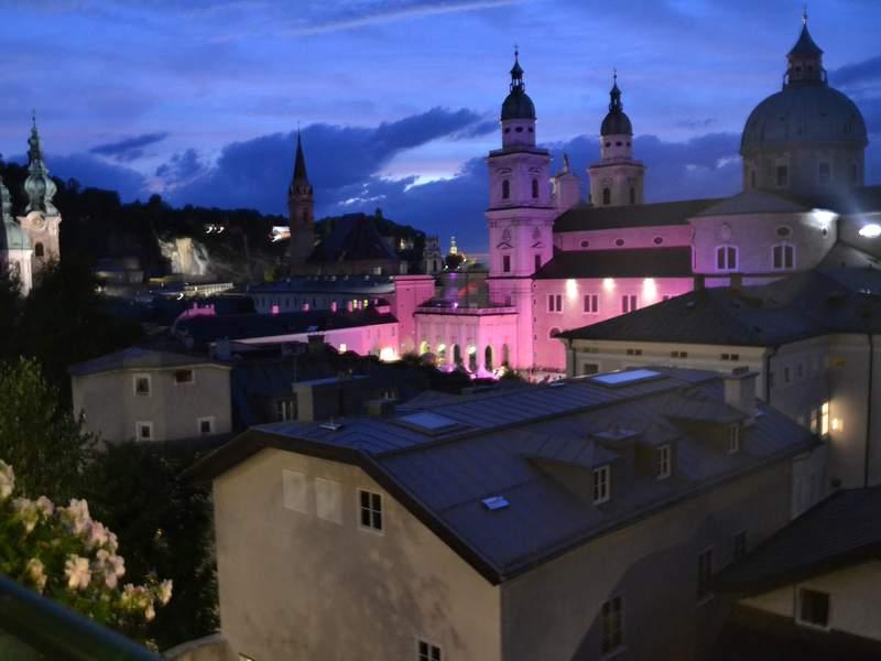 Dom bei Nacht Salzburg