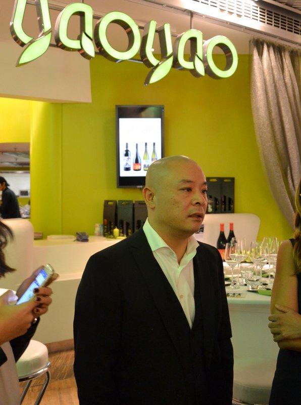 YaoYao Hu