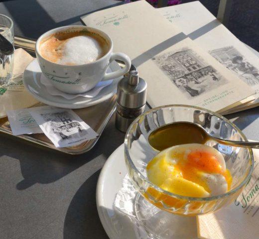 Frühstück in Salzburg; das bekannte Café Tomaselli