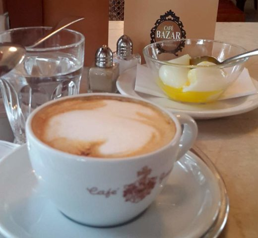 Frühstück in Salzburg; das legendäre Café Bazar