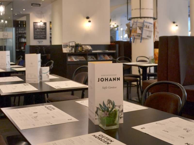 Café Johann innen