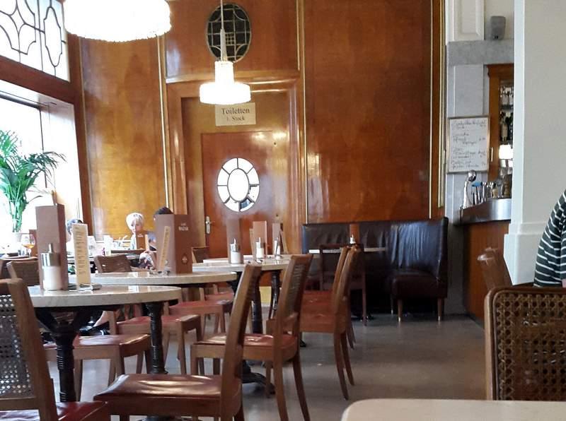 Cafe Bazar