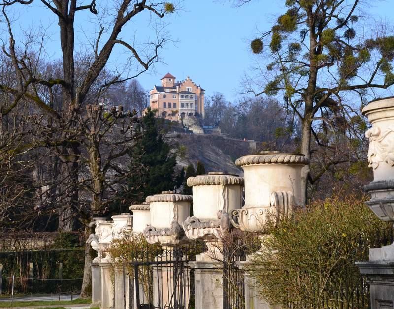 Mirabellgarten mit Mönchstein