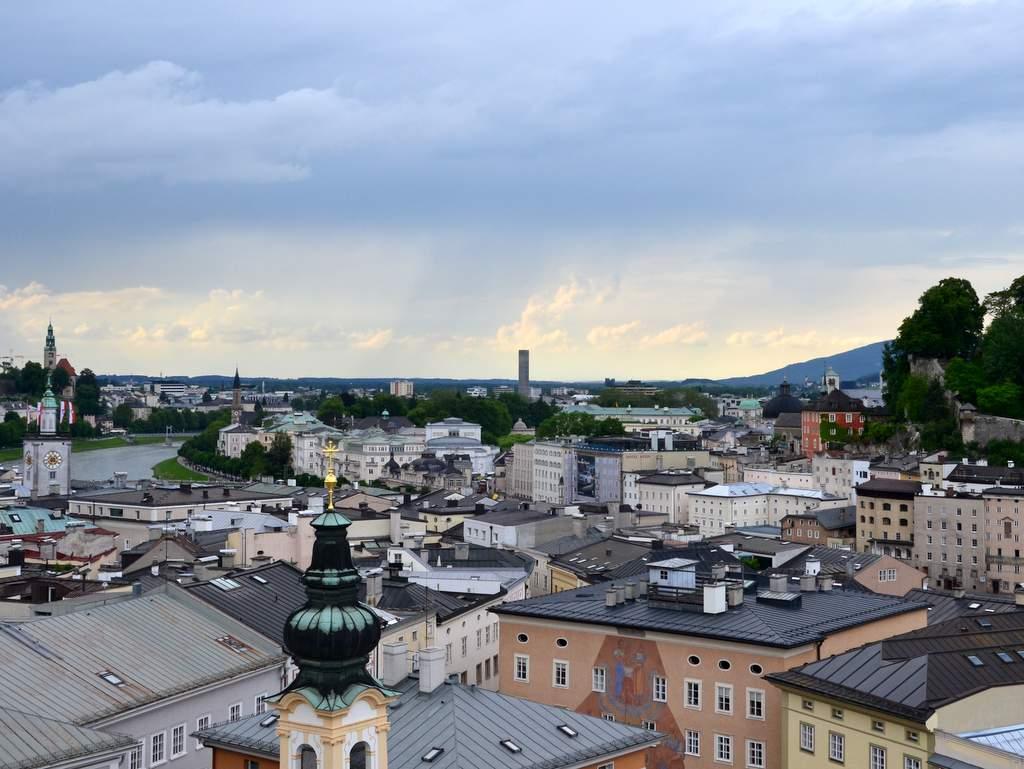 Salzburg Altstadt Glockenspiel