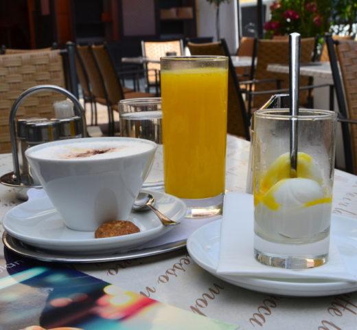 Ei im Glas; meine Salzburger Frühstückskaffeehäuser, Café Engljähringer