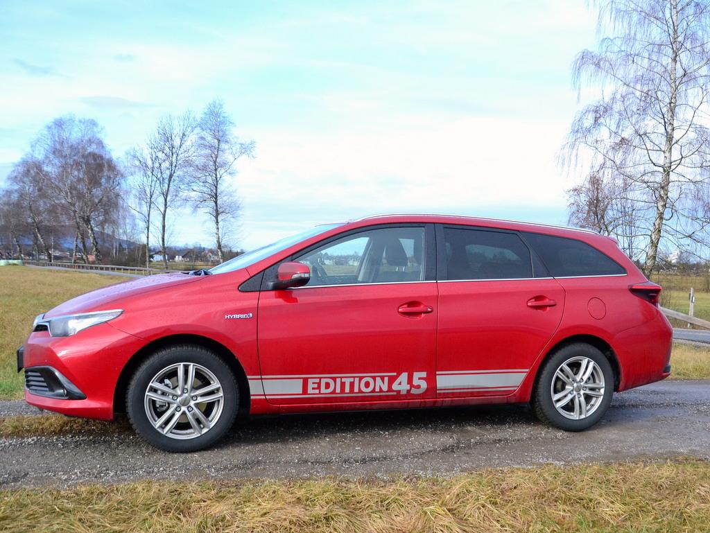 toyota-auris-hybrid-edition-45