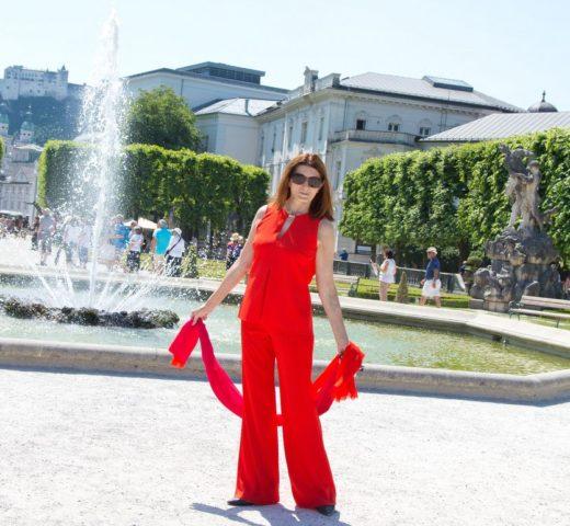 Mein Salzburger Festspiel-Führer 2017;  Lady in Red