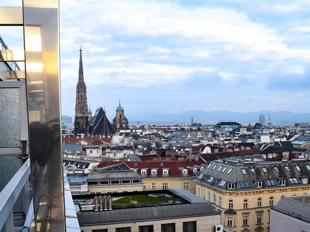Blick über Wien mit Stepahnsplatz aus dem Hotel Schick am Parkring