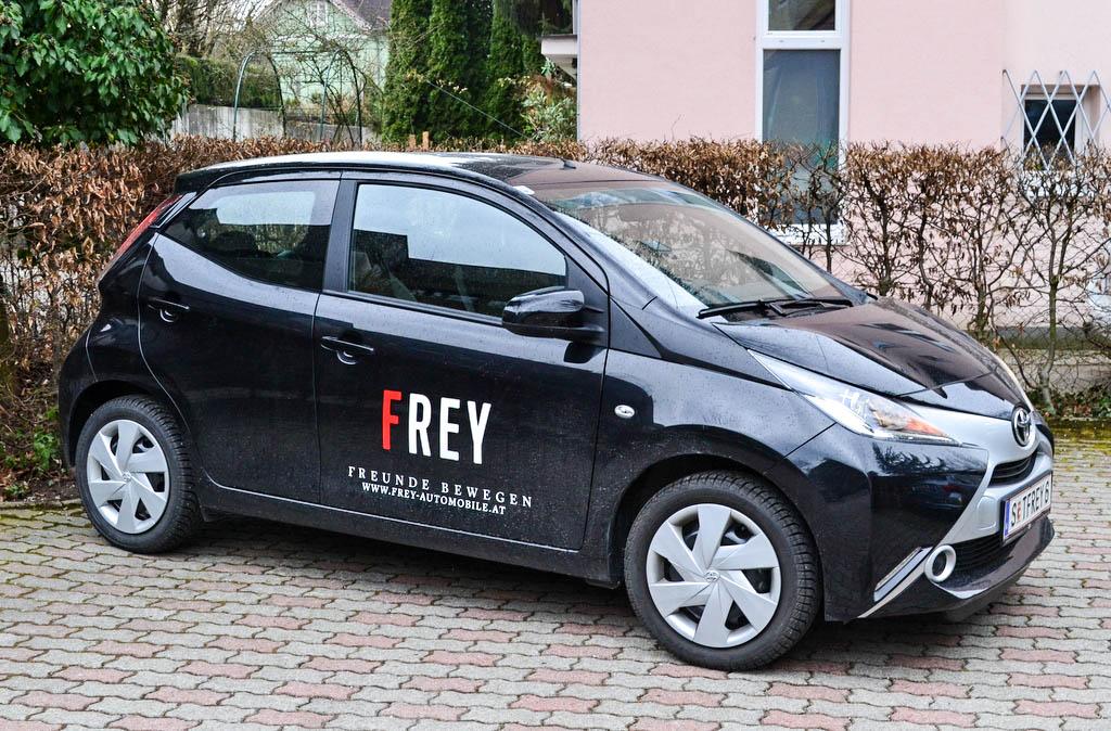 Toyota Aygo schwarz