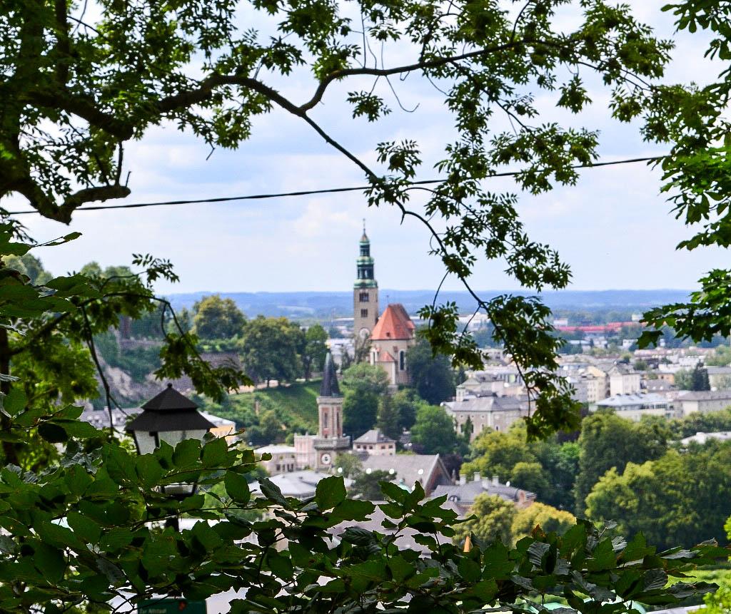 Blick auf die Müllner Kirche in Salzburg