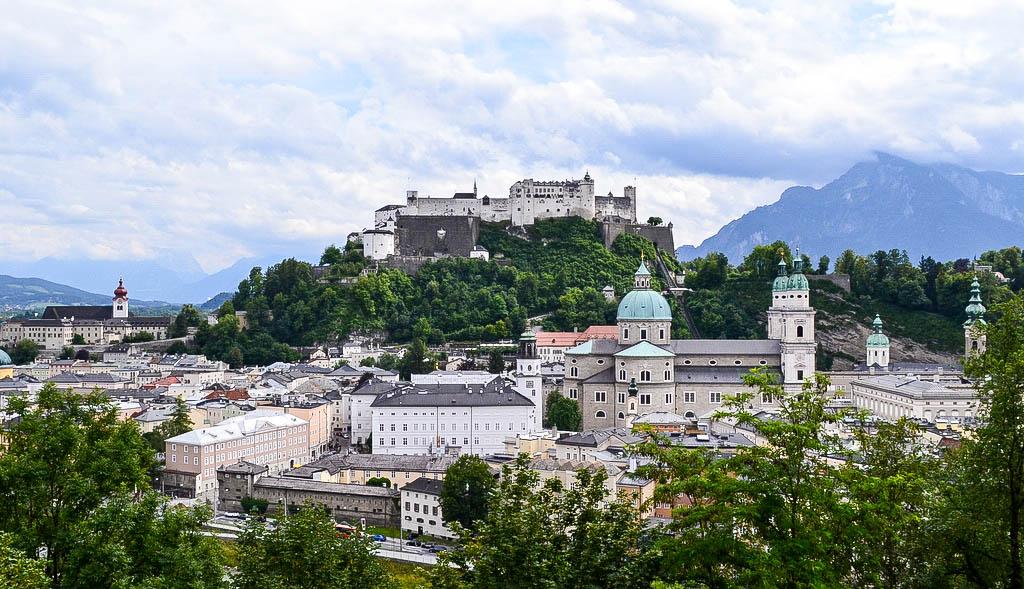 Blick auf Festung Hohensalzburg und Altstadt