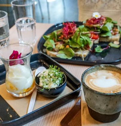 Frühstück in Salzburg; das Café 220 Grad im Nonntal