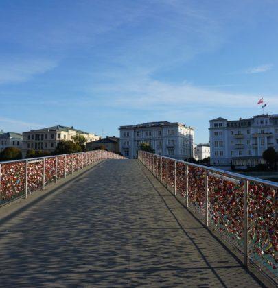 Salzburg darf nicht Hallstatt werden; ein kritischer Blick auf den Städtetourismus