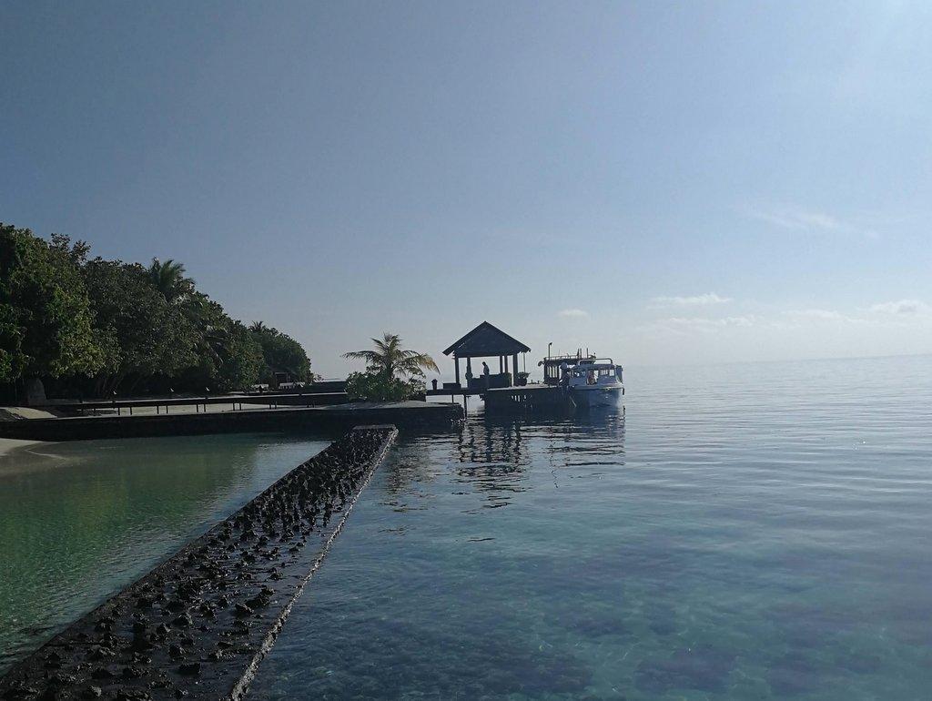 Lily Beach Malediven Hauptsteg