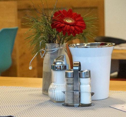 Frühstückskaffeehaus im Hotel Garni Frauenschuh in der Moosstraße