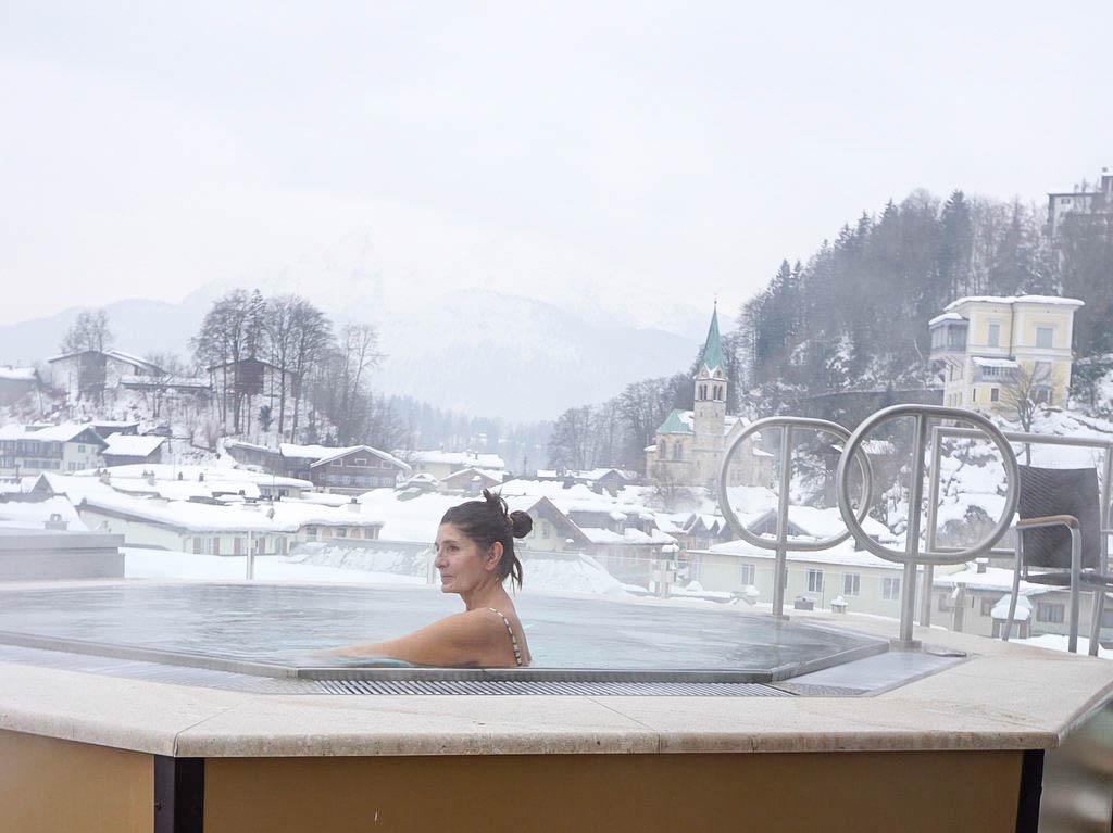 Whirlpool auf der Dachterrasse im Edelweiss Berchtesgaden