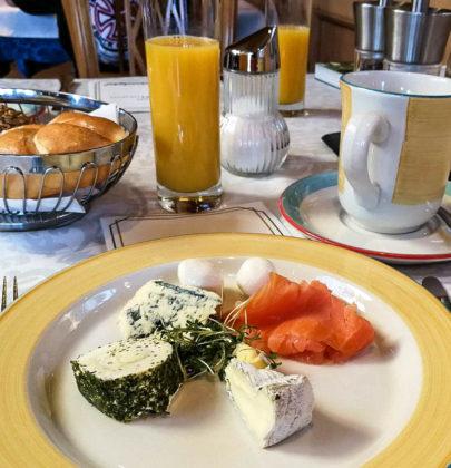 Frühstück vor den Toren von Salzburg, der Laschenskyhof in Viehhausen