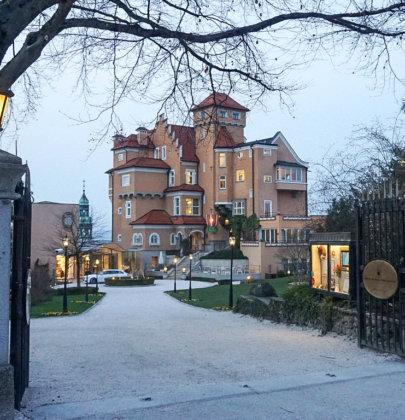 Über den Dächern der Stadt, ein Abend im Schloss Mönchstein