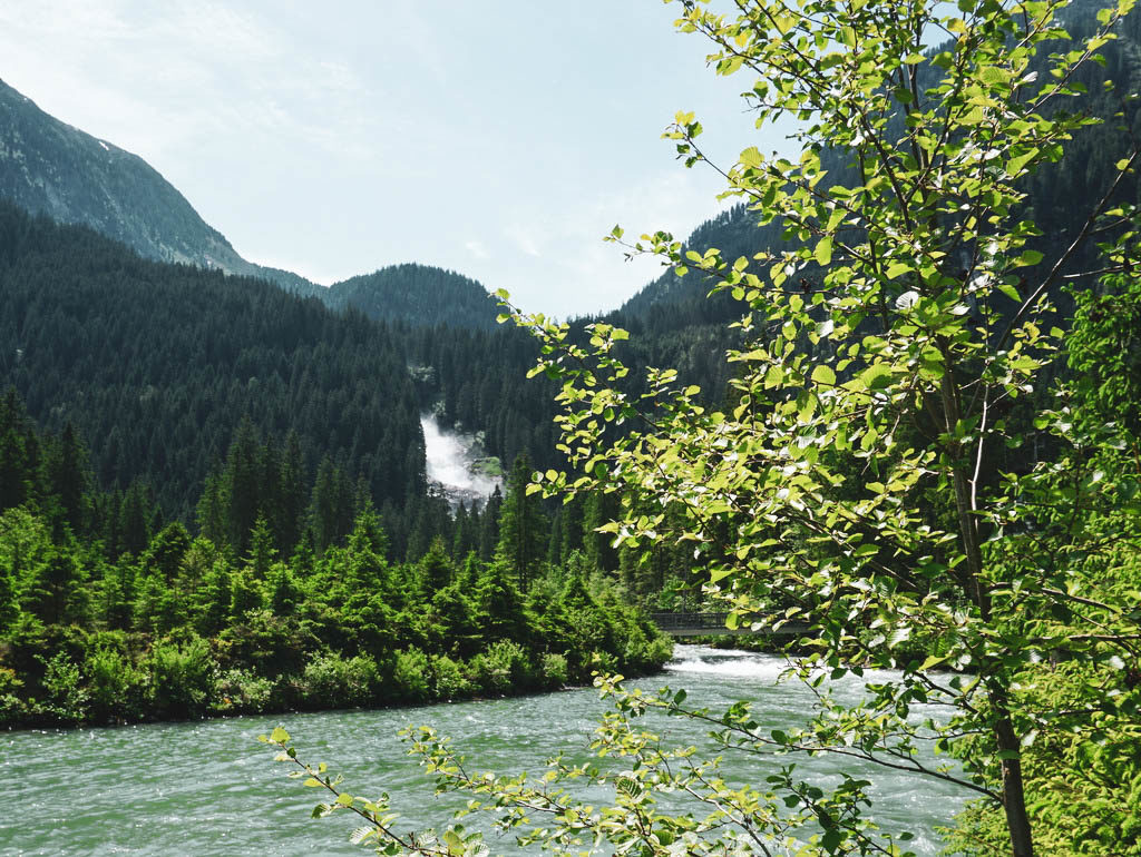 Krimmler Ache mit Blick zum Wasserfall
