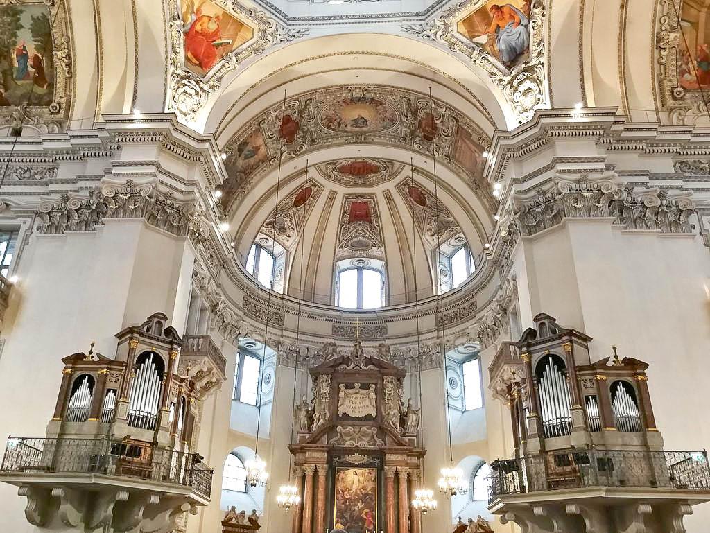 Innenansicht Salzburger Dom Kuppel