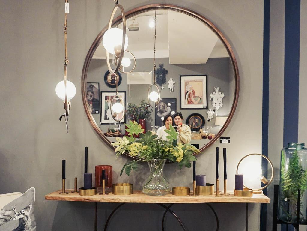 Spiegel und Dekoration