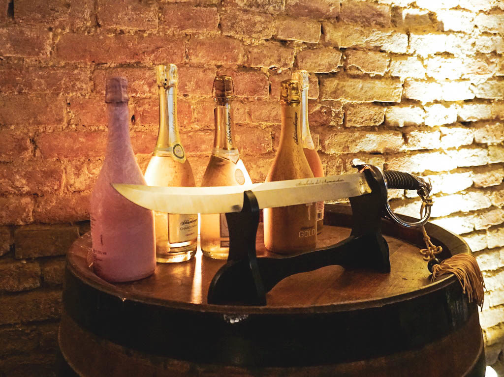 Sektflaschen bei Schlumberger