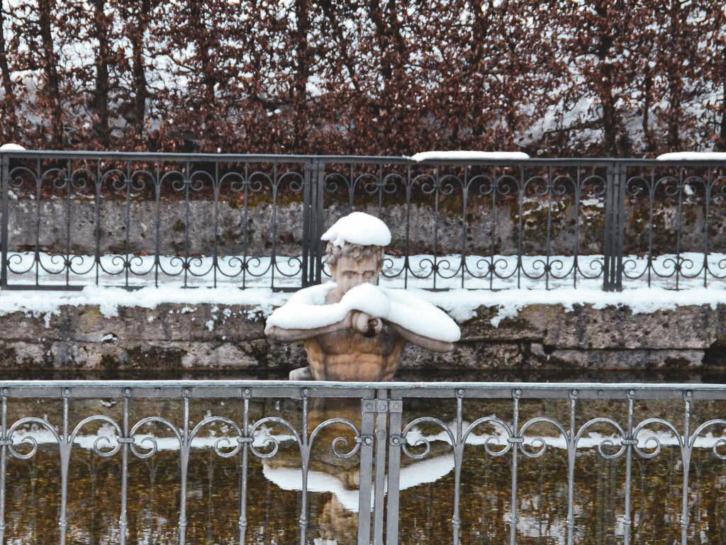 Wasserspiele in Hellbrunn im Winter