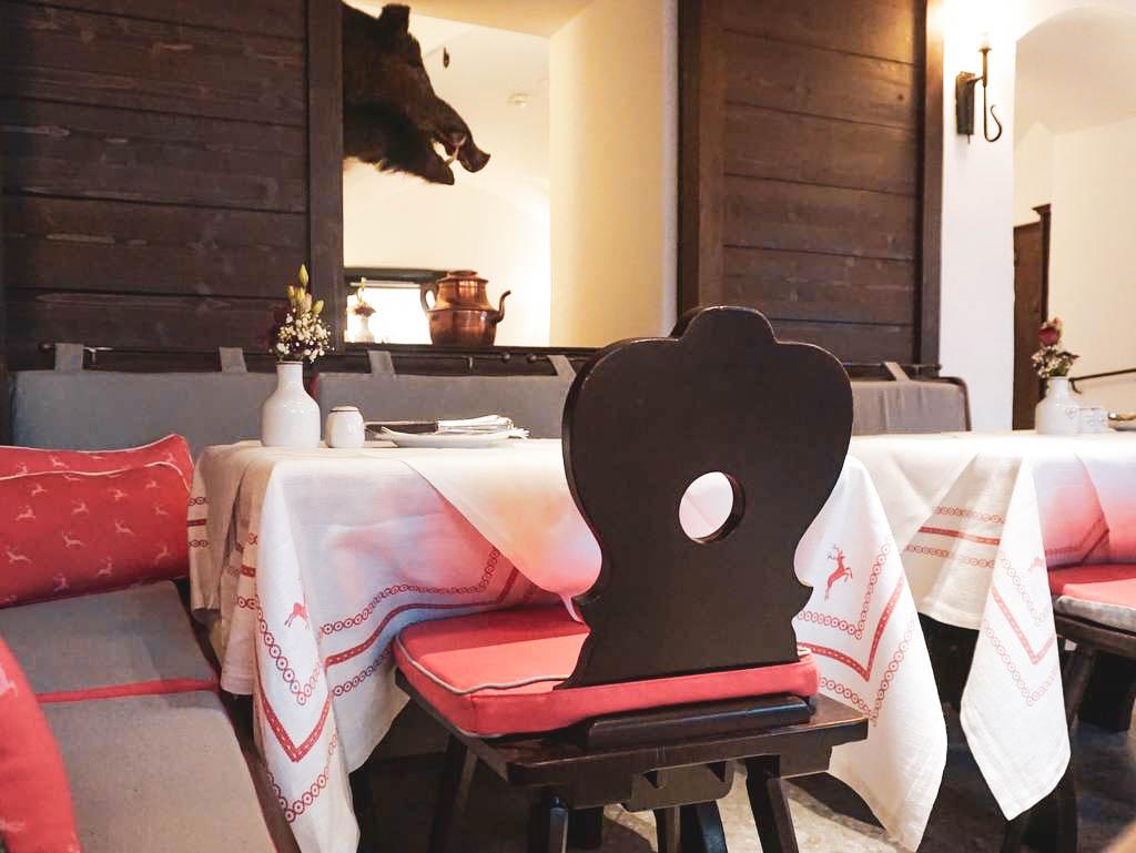 gedeckter Tisch im Herzl in Salzburg