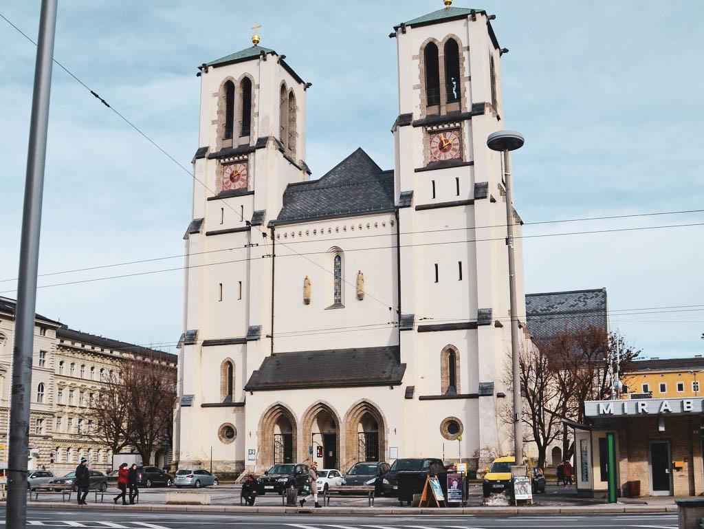 Andräkirche am Mirabellplatz