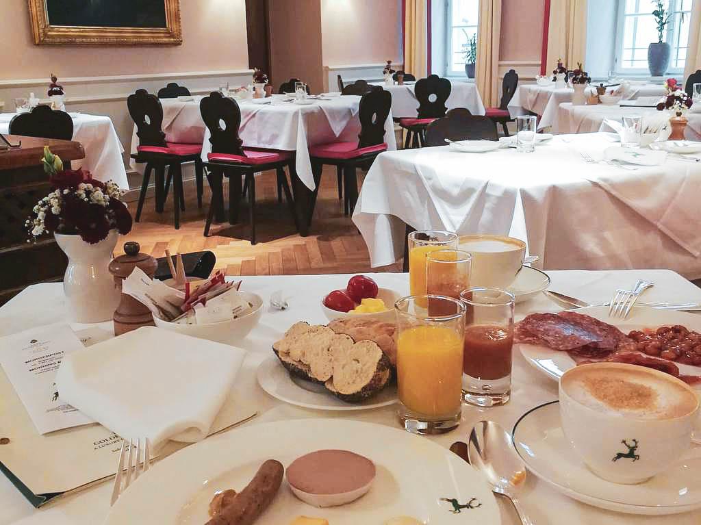 Frühstück Goldener Hirsch