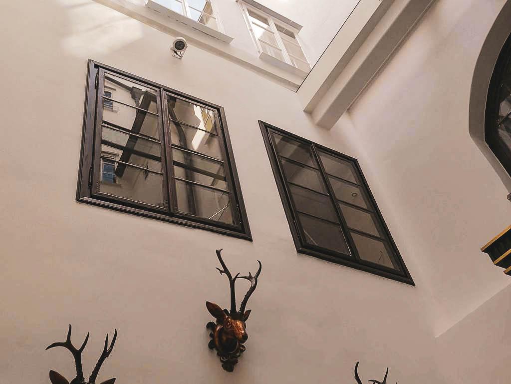 Fenster im Goldener Hirsch