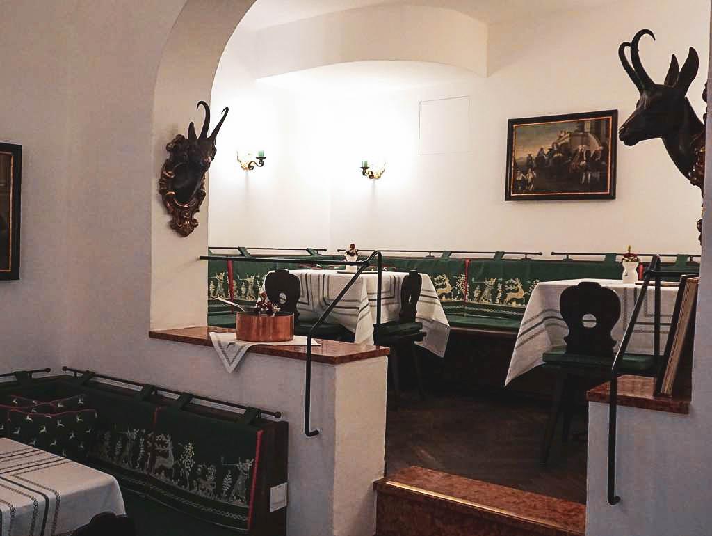 Bar Goldener Hirsch Salzburg