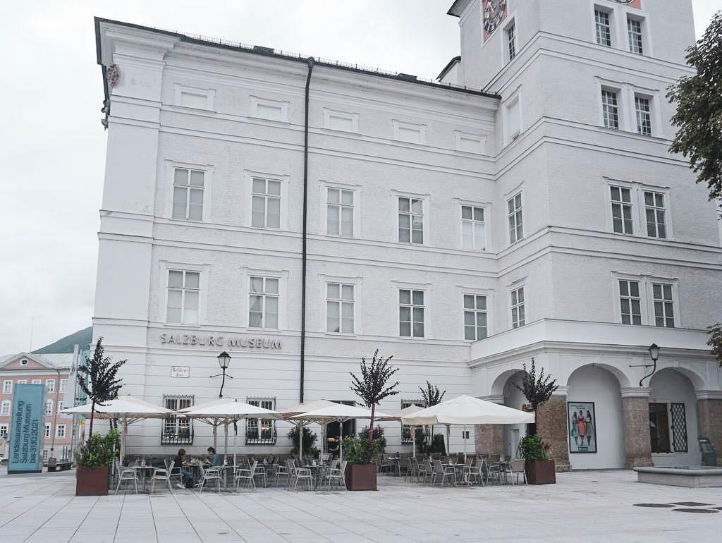 Salzburg Museum mit MUS Café Museum