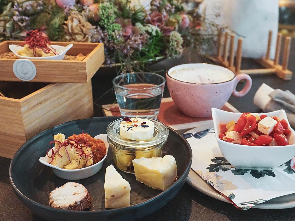 Frühstück im Rosencafé Salzburg