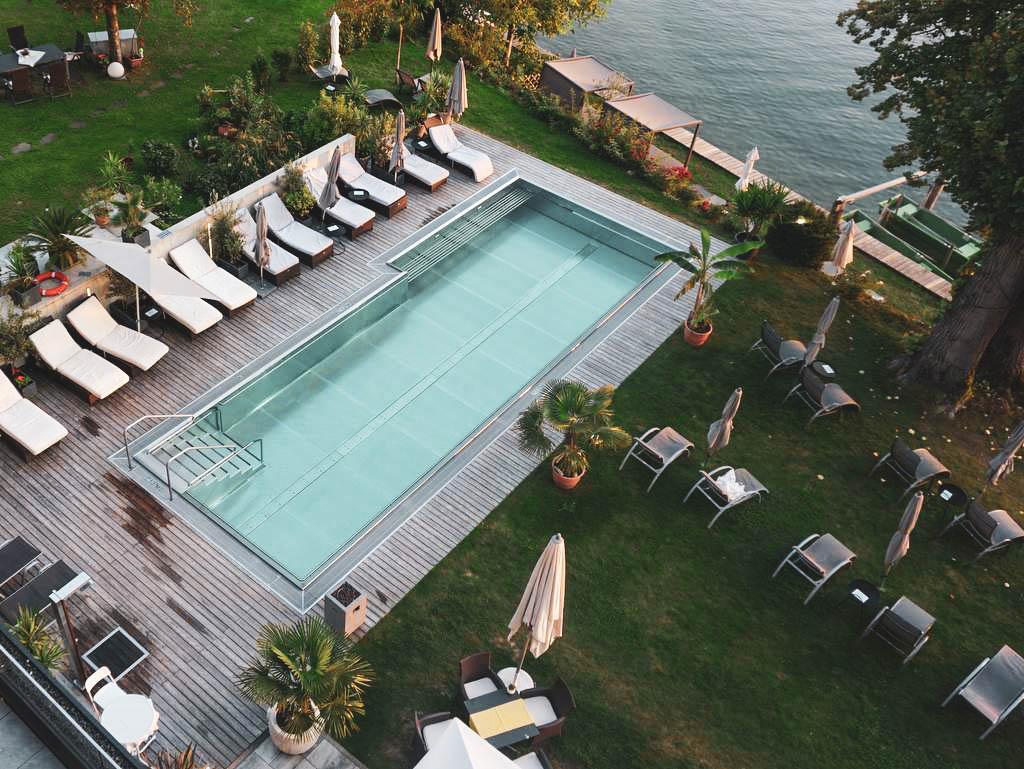 Pool in der Villa Postillion