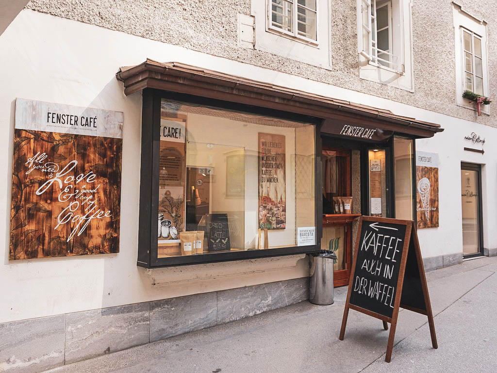 Fenster Café in Salzburg Außenansicht