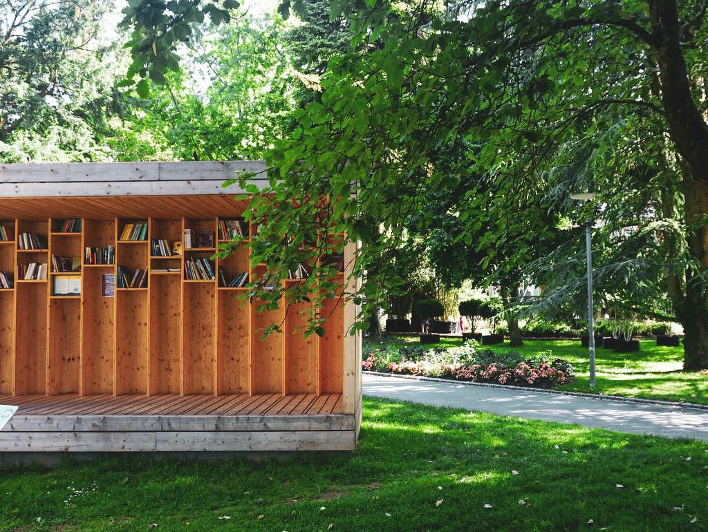 LGS Überlingen Bibliothek im Freien