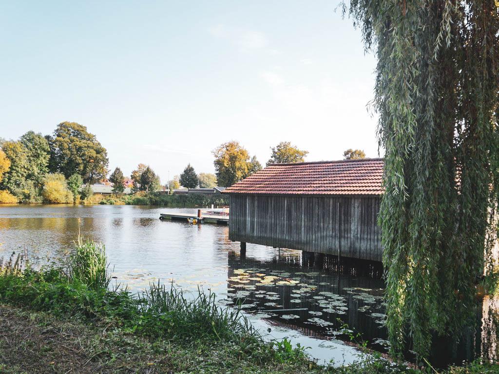 Bootshaus im Holzhafen